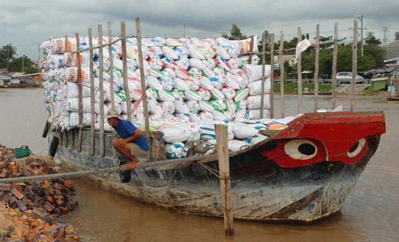 Sa Dec, rice husk fuel delivery