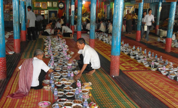 Festival lunch for the monks