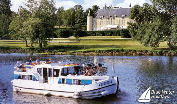 Le Boat and Locaboat - Boating Holidays in Europe
