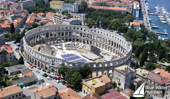 Discover the magnificent ampitheatre in Pula