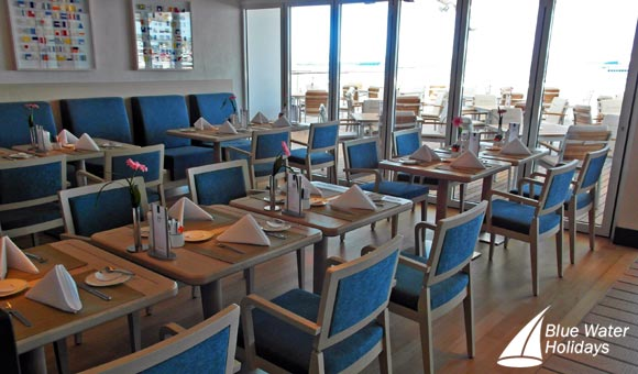 Informal buffet dining at the Yacht Club