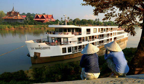 Tour Vietnam and Cambodia and the Mekong river