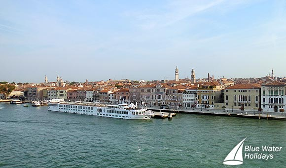 River Countess in Venice