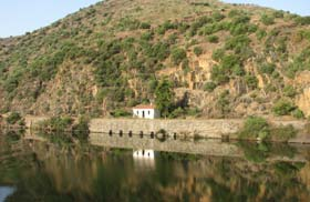 River Douro morning scenery