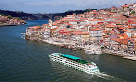 Cruising down the River Douro at Porto