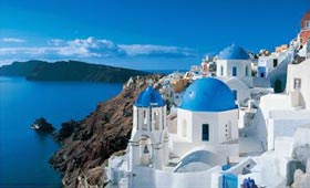 Ia on Santorini, the famous Greek islands view