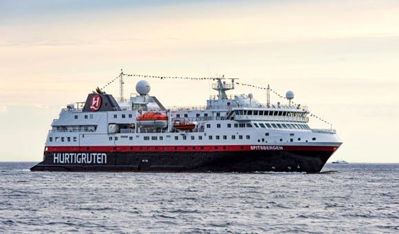 Expedition Ship Ms Spitsbergen From Hurtigruten