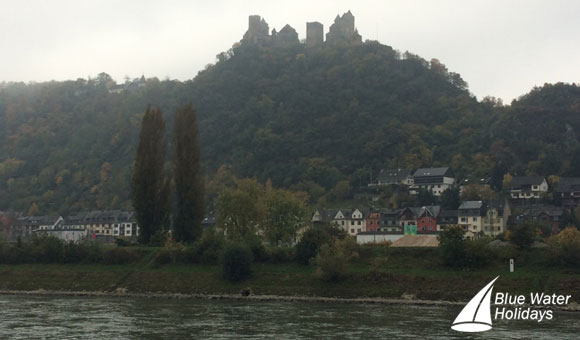 Admire beautiful scenery as you cruise through the Rhine Gorge