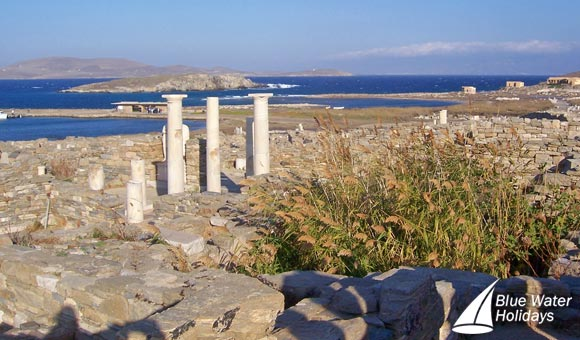 Discover the ruins on the Greek island of Delos