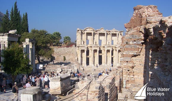 Discover the ruins of Ephesus