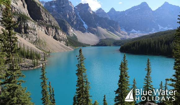 Admire the towering mountains and turquoise lakes in Banff National Park
