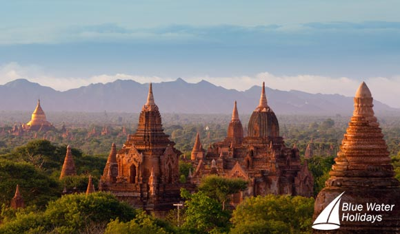 Discover the magnificent temples at Bagan