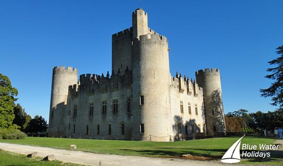 Discover the medieval Chateau Roquetaillade in Mazeres