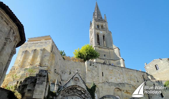 See the magnificent Monolithic Church in Saint Emilion