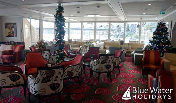 AmaPrima lounge decorated for the festive season