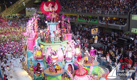 Experience the atsmosphere at the Rio Carnival