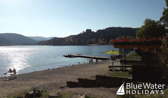 The beautiful shores of Lake Titisee