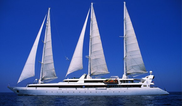 Le Ponant in full sail