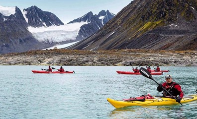 Kayaking in Spitsbergen